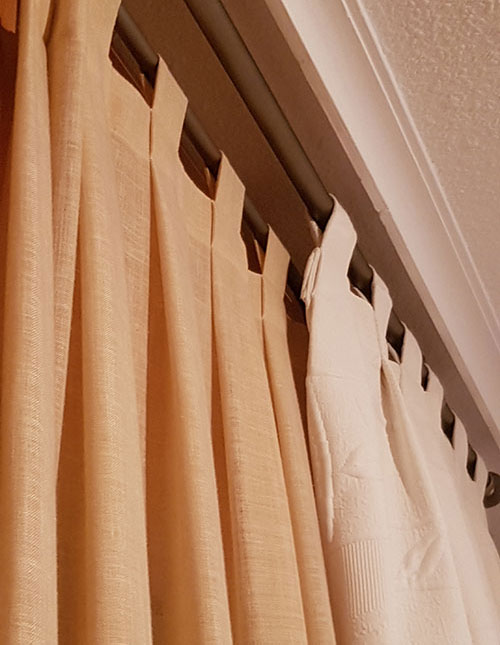 CORTINAS CON TABLAS Y TRABILLAS